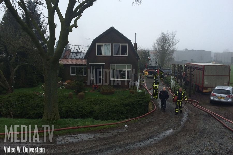 Grote brand in schuur Merwedekanaal Gorinchem (video)